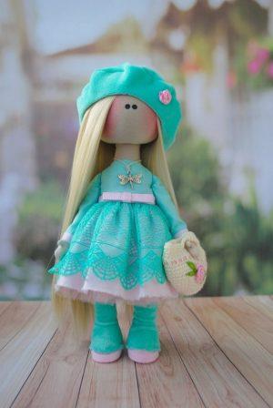 Тканевая кукла ручной работы