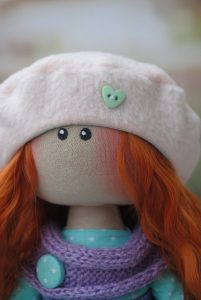 Интерьерная кукла большеножка