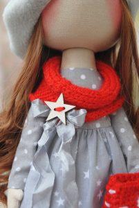 Кукла большеножка